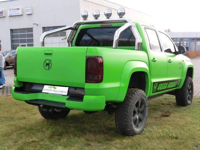 VW Amarok green