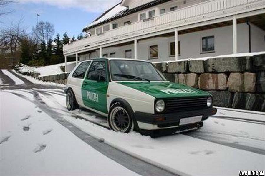 VW Golf Polizei