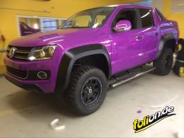 VW Amarok violett