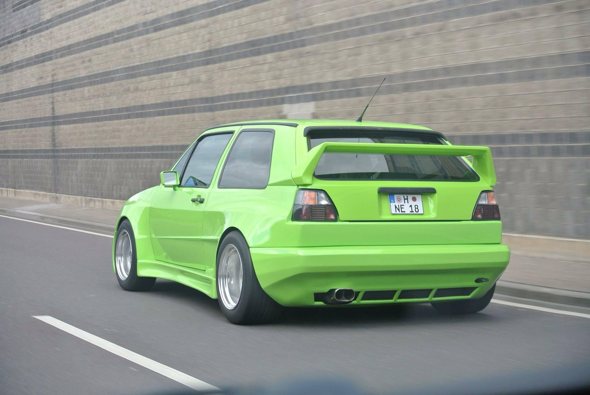Volkswagen Golf mk2 Rieger gruen