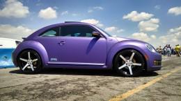 Volkswagen NewBeetle purple