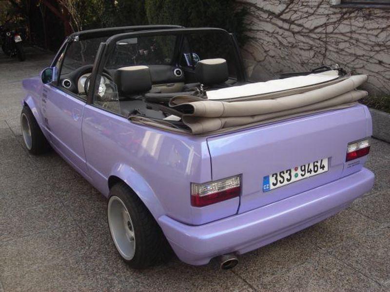 Volkswagen Golf MK1 cabrio lila
