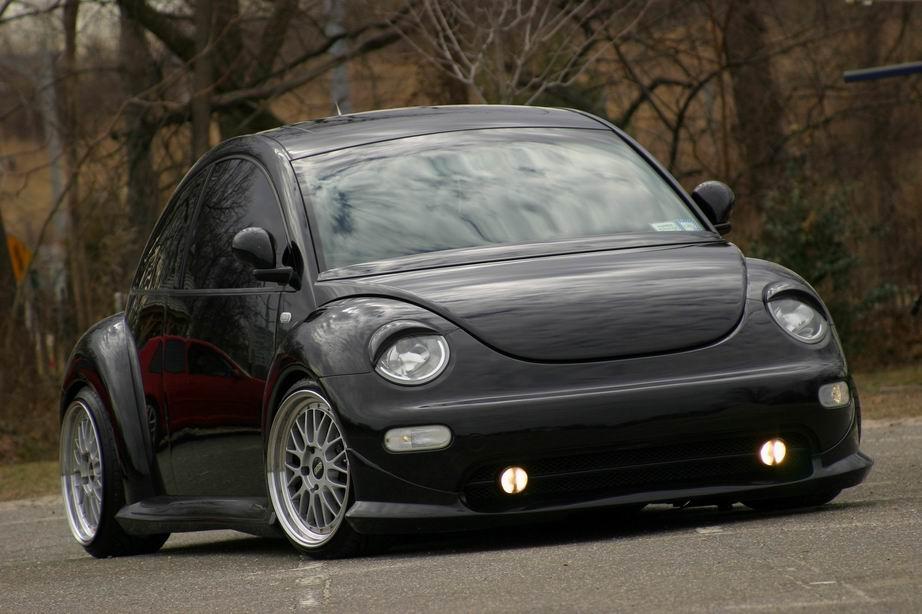 Volkswagen NewBeetle (black)
