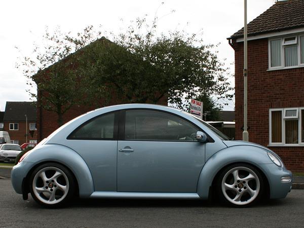 Volkswagen NewBeetle (porsche wheels)